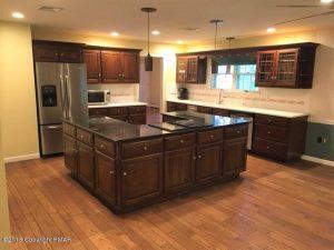 5595 Olde Mill Run kitchen